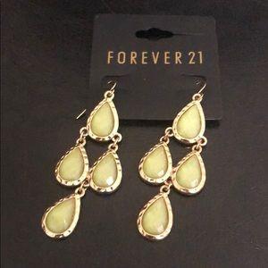 NWT Forever 21 Women's Dangle Earrings Gold&Green